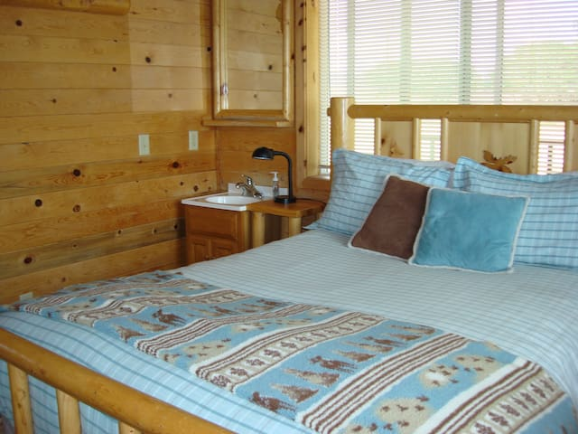 3 Blue Sky Room in Elk's Grove Cabin