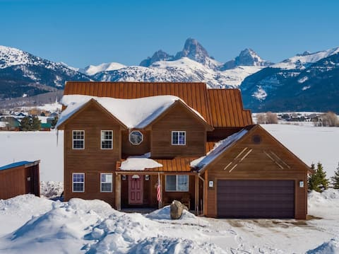 ♥ Large Family home with full Teton views and hot tub