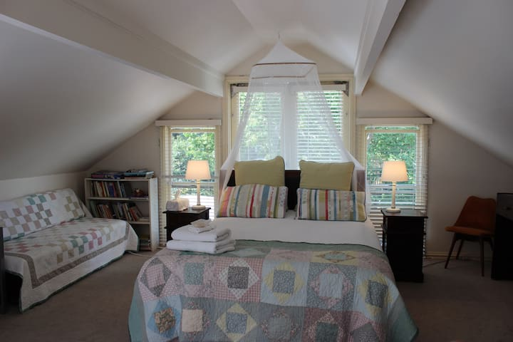 Large Attic Room in Beautiful Victorian Home