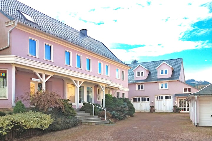 Small apartment in Bad Tabarz in Thuringia with garden and pool