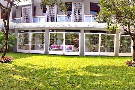 TRAVELERS INN ~ Your Homey Place in Bandung - Bandung Wetan