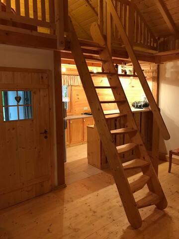 Stilvolle Hütte in ruhiger Lage