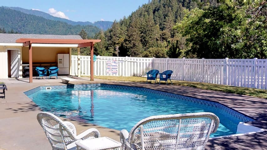 Ammon Bridge House -  Summer Deal 30% Off!  Pool, River Access