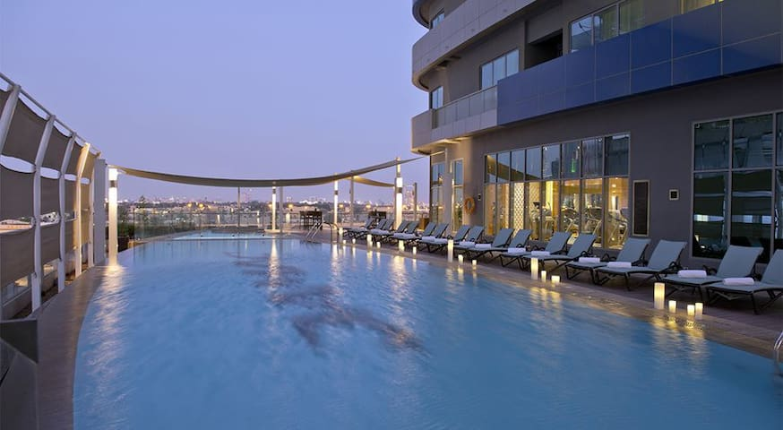 Luxury One Bed In Damac Dubai Mall Street - Dubai - Apartamento