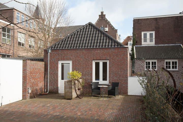 Compleet huisje in centrum (studio) - 's-Hertogenbosch - บ้าน