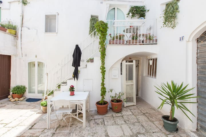 beautiful ancient apartment in Cisternino