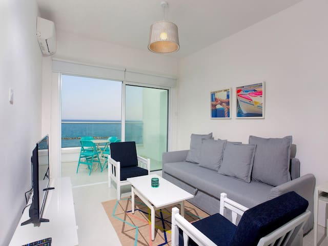Limassol On The Beach Apartment - Agios Tychon - Appartement