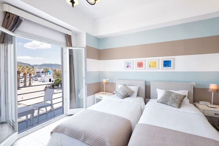 Hotel Oasis - Triple Room with Sea View