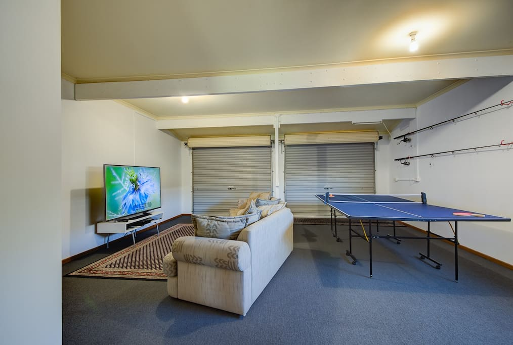 Fantastic games & entertaining area downstairs