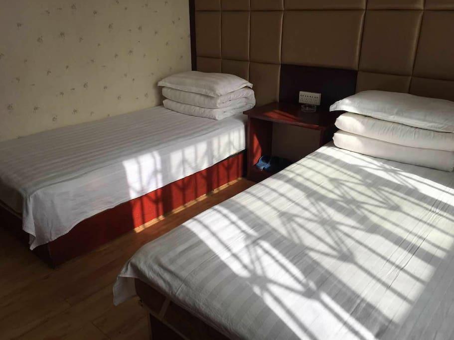 卧室内双床