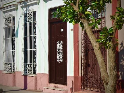 Casa Colonial Lalita Cienfuegos ( room # 1)