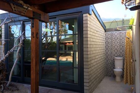 Garden Studio w/ Outdoor Shower! - Palm Springs - Bed & Breakfast