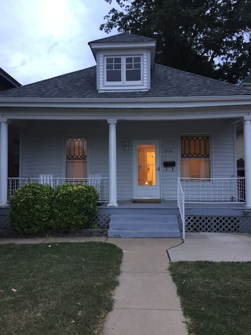 Charming cottage in downtown Maplewood