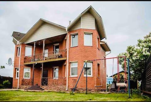Дом посуточно в аренду 11 км от МКАД