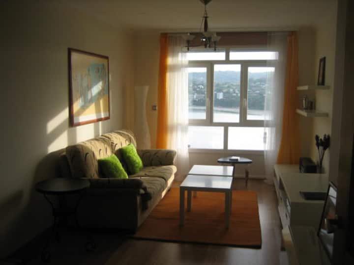 Precioso apartamento con excelentes vistas al mar