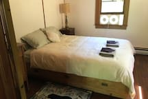 Right bedroom with queen bed