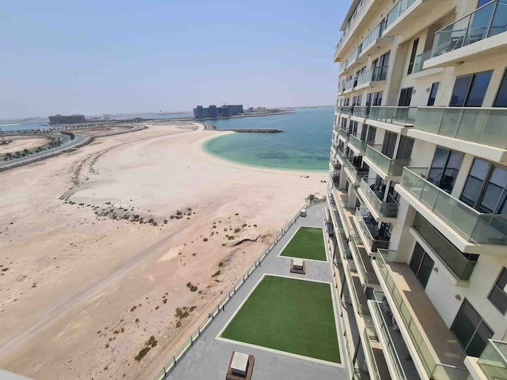 Beach and sea facing 2 Bedroom apartment