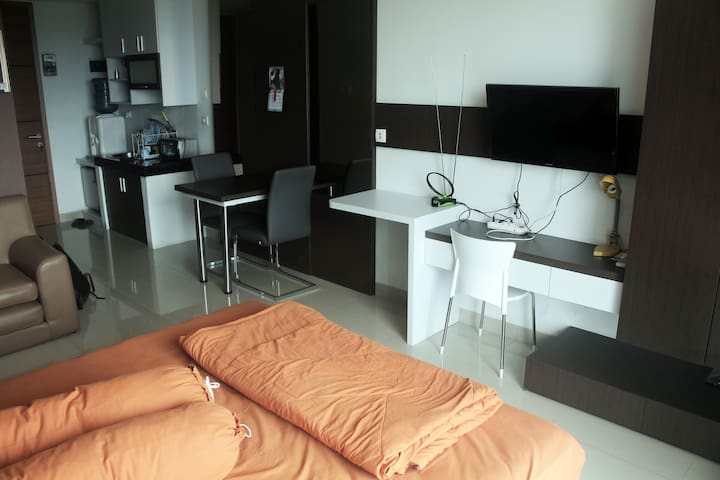 Cozy Studio Apart. at Strategic Location in Dago - Coblong - Appartamento