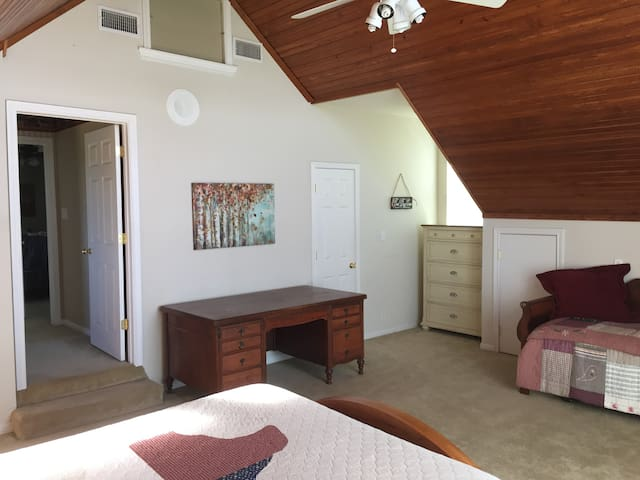 Country charm, minutes from Waco - Lorena - Guesthouse