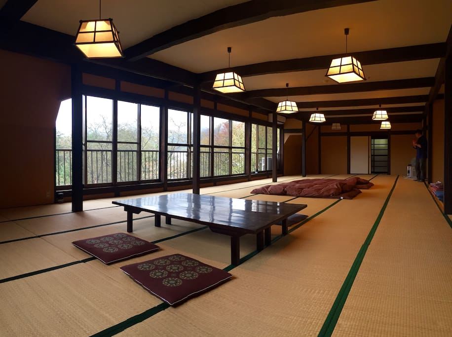 Private Large tatami room/bed room 寝室の大広間