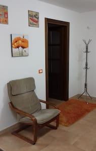 camera tre letti + 1  tranquilla nel verde - Santo Stefano di Magra