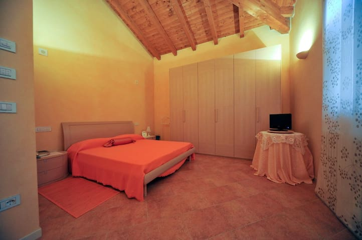 Camera Fata Fragola - Argelato - Bed & Breakfast