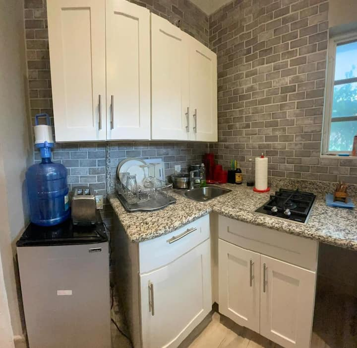 Beautiful One Bedroom Private Guest House