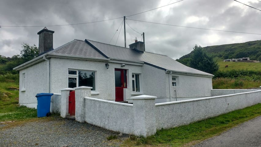 Lizzie's Cottage along Wild Atlantic Way