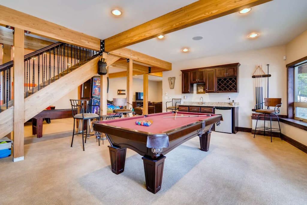 Hours of Fun in the Gaming Room: Pool Table, Shuffle Board, Pin Ball, Satellite TV, DVD