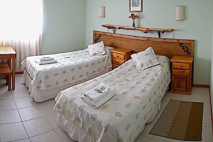 Habitación Doble Twin Baño Privado Desayuno Buffet