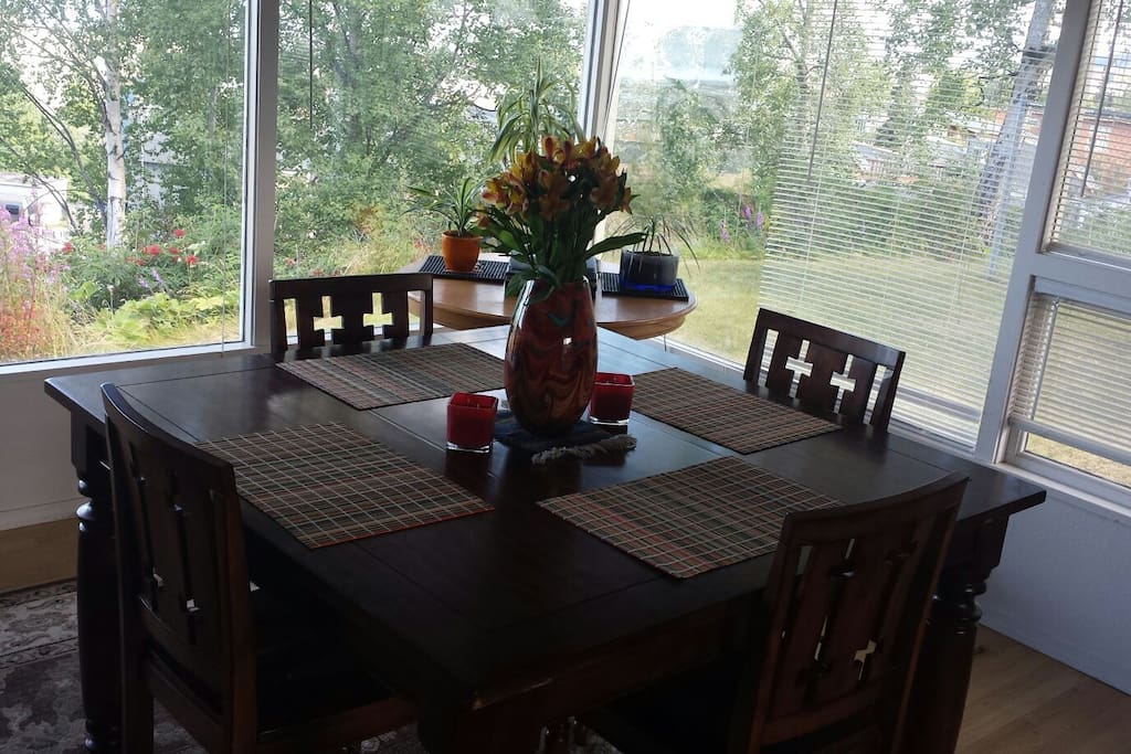 Enjoy a nice meal or a great conversation in the dining room while taking in the lovely views.