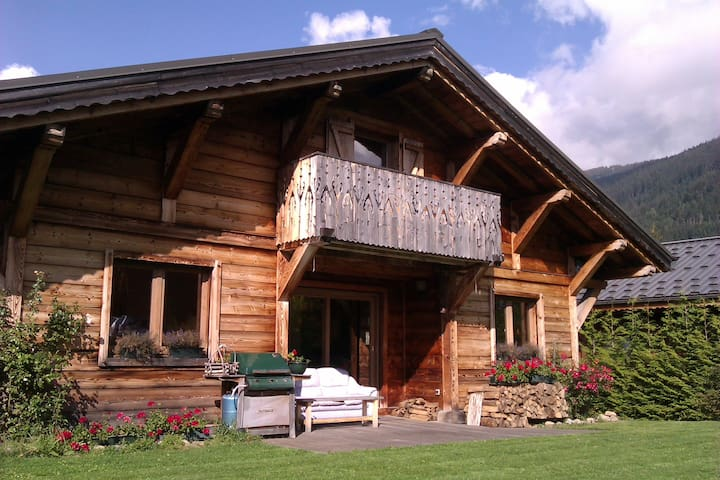 Alpine Chalet 8-10/12 personnes 4/5 chambres 3 sdb