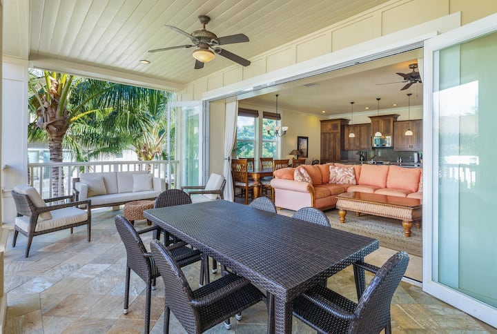 Beautiful Poolside Villa Open Layout With Pool, Fitness and Beach Access