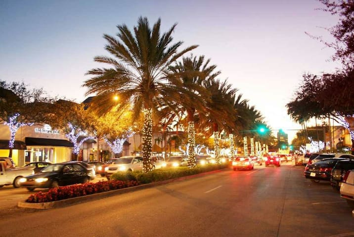 Great location-Coral Gables-Entire Place