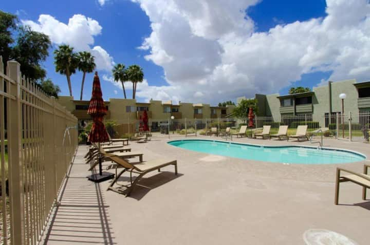 Comfortable Condo-great location in Scottsdale