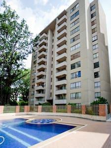 habitación acogedora y bien ubicada en sabaneta - Sabaneta - Apartemen