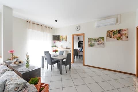 Modern appartement halverwege tussen Milaan en Como