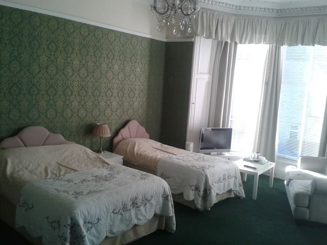 Capital Guest House (sleeps 4 )