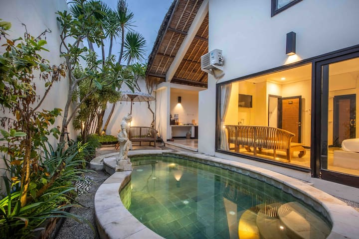 Bens Athena Villa 2 Bedroom Private Pool Kuta