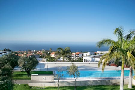 ***OPENING OFFER*** - Luxury Penthouse - Sea Views