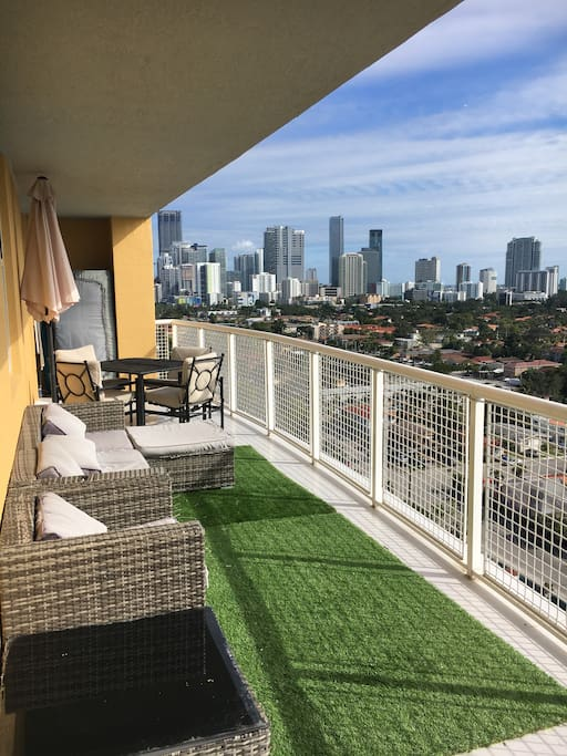 Balcony with view to Brickell and ocean