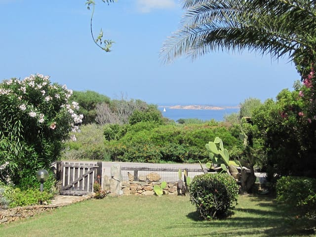 Palau, garden villa 300 metres from the sea - Capo D'orso
