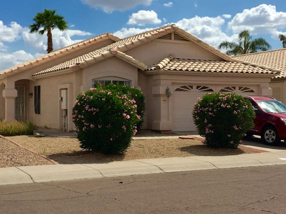 Traditional and lovely AZ style home