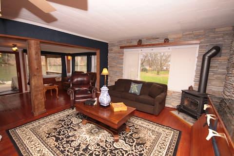 Luxury Cottage on Allegheny River in Warren, PA