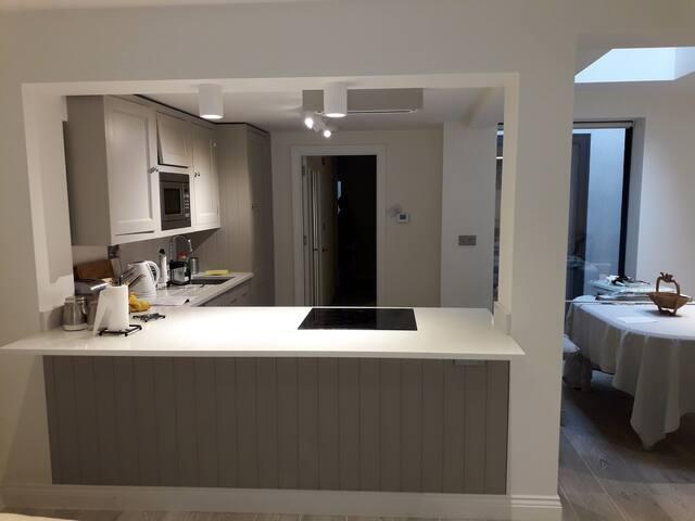 stunning1 bed flat in Holland pk/Shepherds Bush