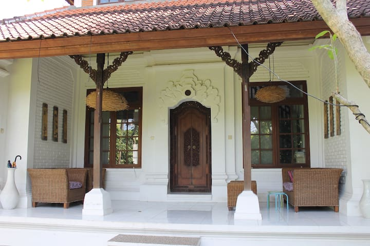The porch with garden view