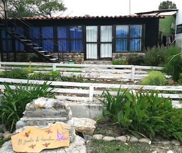 El Jardín de karmitha