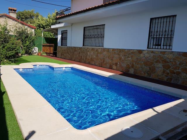 CASA CERCA DE ARENAS DE SAN PEDRO