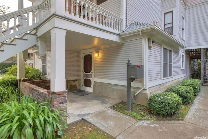 Historic Calvin Crocker House Unit A-Ground Floor - Sacramento - Apartamento