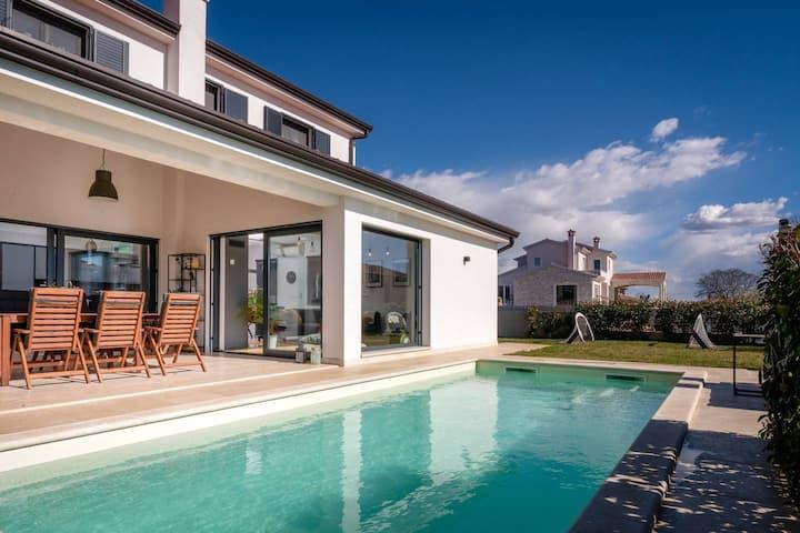 Villa Laurentii met overdekt zomerkeuken